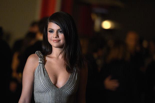 21 Celebrities With Autoimmune Diseases